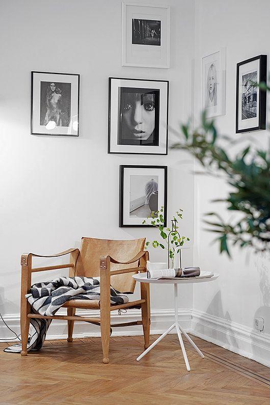 how to make use of a corner by hanging photos/paintings. Photo: Fredrik Karlsson for Alvhem Mäkleri