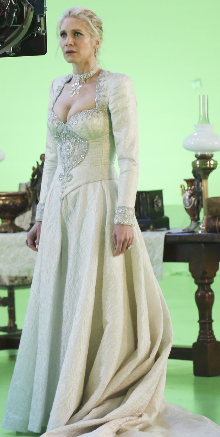 Ingrid, the Snow Queen (full dress - front) | Once Upon a ...