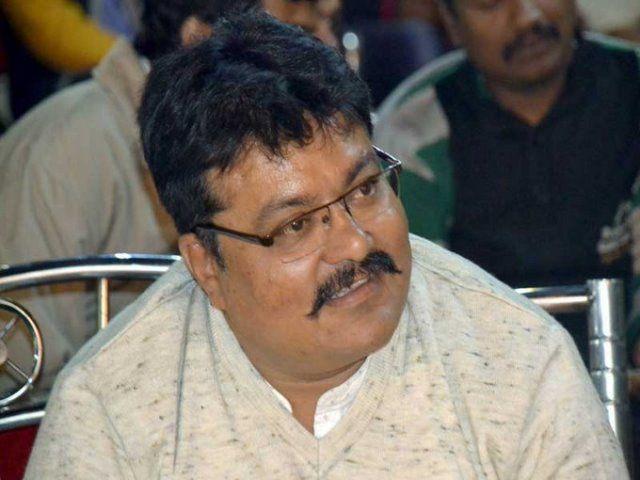 10,000 rupees prize for hitting shoes on Sanjay Leela Bhansali : BJP Leader