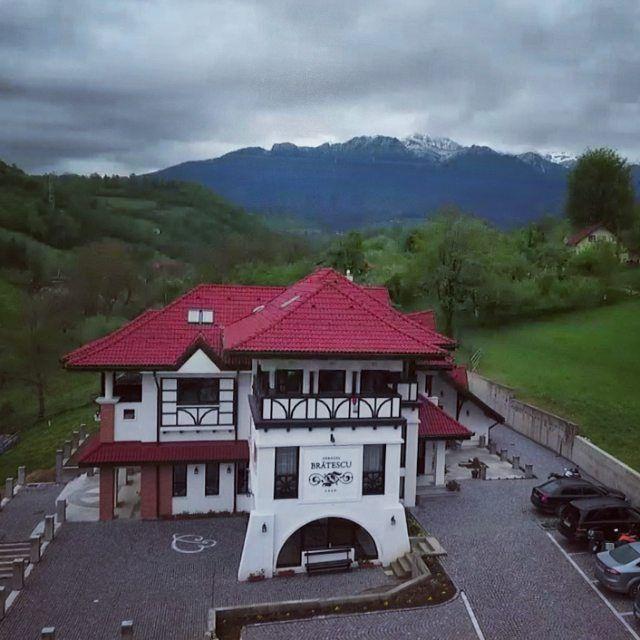 Bran | Romania | Boutique Hotel | Natura| Conac romanesc| Conac de demult | Brătescu Mansion | Architecture | Nature | Conac România | Conac de munte | Conac din Bran | Transilvania