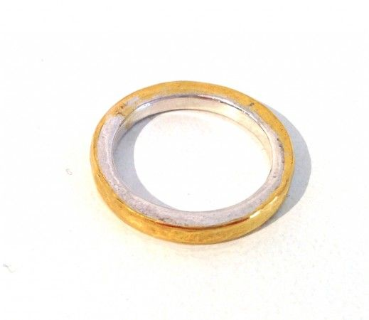 RING: Runner with pure gold inlay fused twist