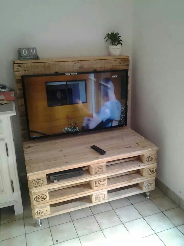 Meuble tv meubles pinterest tvs for Meuble tv en palette