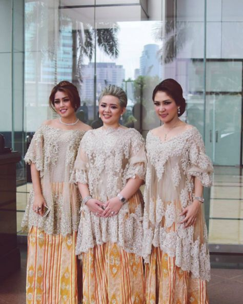 The Serene Baju Bodo by SVARNA by IKAT Indonesia Didiet Maulana - 004