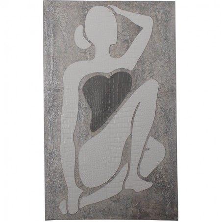 DONNA. Unione dello stile classico dell'acrilico spatolato al materiale con cui è realizzata la figura: cuoio bianco stampato effetto coccodrillo. L'incrocio delle gambe, la mano alzata sopra il capo e i colori chiari e tenui evocano tranquillità e relax. Autrice: Franca Violin