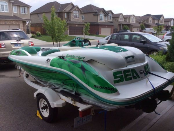 2000 Sea Doo/brp Challenger for sale in Niagara Falls, On L2H - UsedBoats4sale.ca