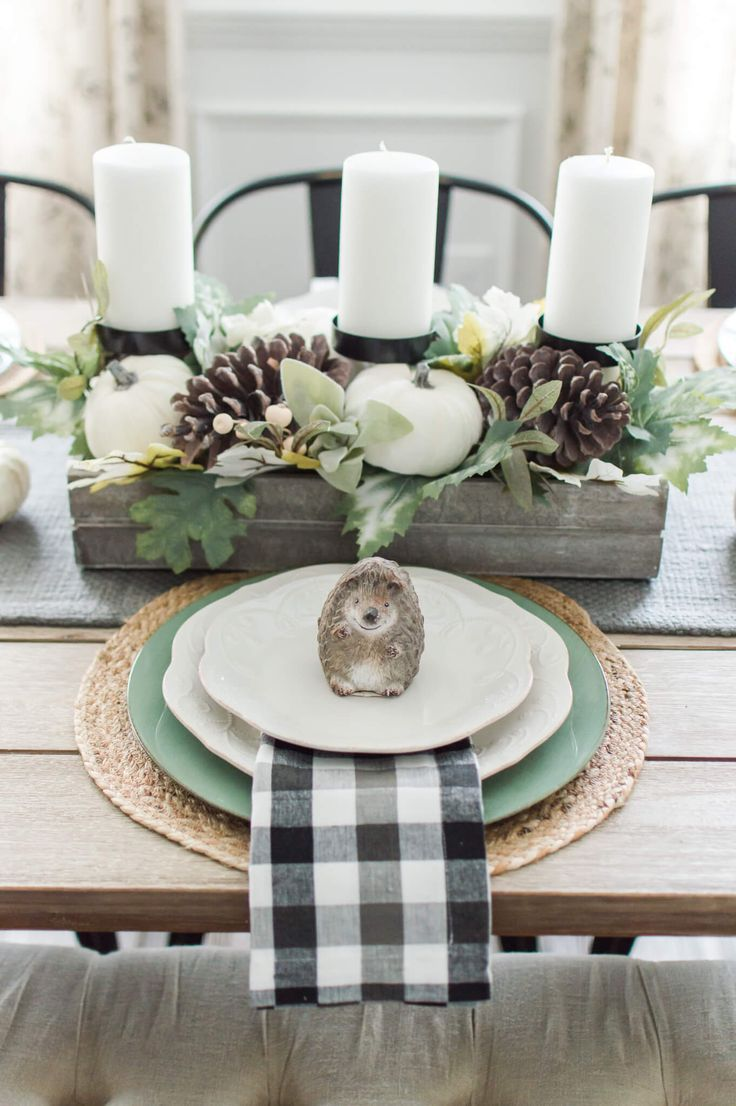 Simple And Neutral Fall Farmhouse Dining Room The Perfect Fall Transition Decor A Hosting Home Modern Farmhouse Dining Room Decor Farmhouse Dining Rooms Decor Dining Room Table Decor