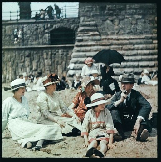 1918 Blackpool England color photo Lonsdale family beach copyright discoveringhawaii.com