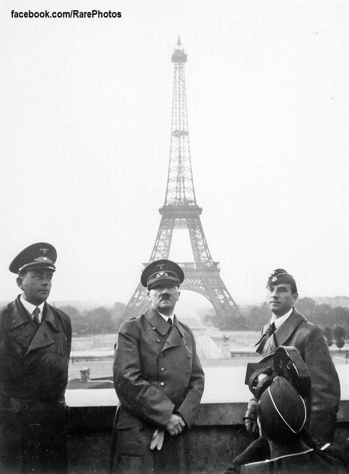 Adlof Hitler in Paris 1940