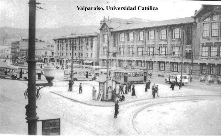 #Valparaíso c.1930 Av. Brasil. edif. de la Universidad Católica de Valparaíso