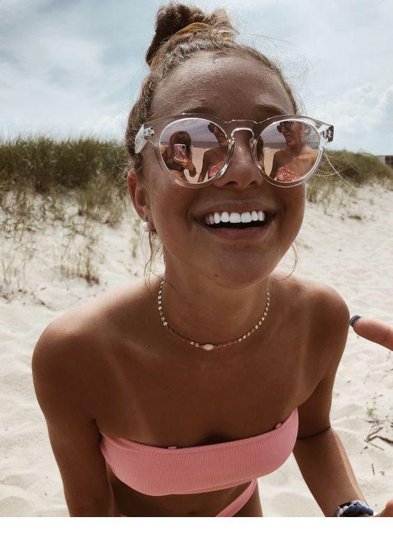Óculos, colar e roupa de banho | Senhoras inspiradoras   – SuMMeR lOvE