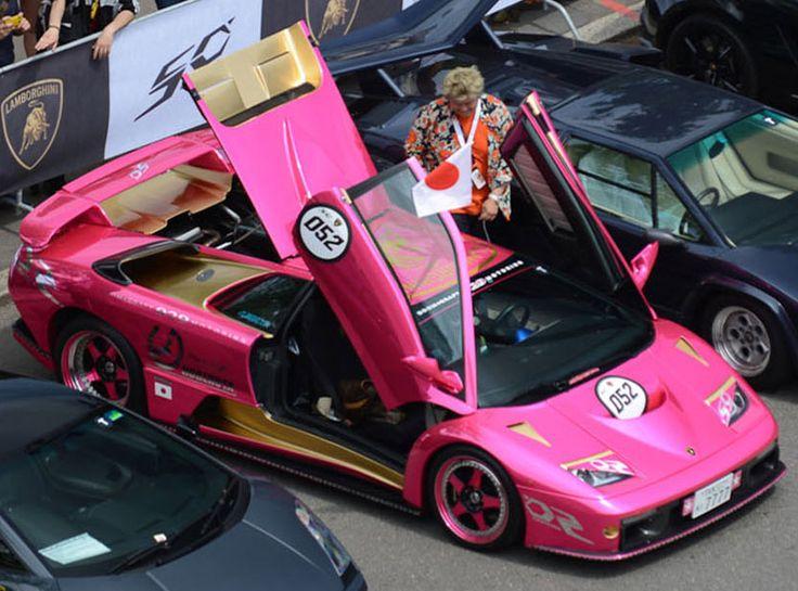 Il 7 e 8 Maggio al via il Grande Giro Lamborghini Per festeggiare i 100 anni di attività della casa automobilistica #Lamborghini viene organizzato il Grande Giro Lamborghini 50° anniversario con partenza da Milano.