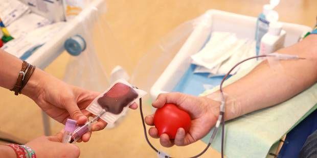 Les homosexuels pourront donner leur sang après un an d'abstinence