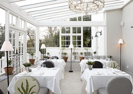 The Greenhouse Restaurant in The Cellars Hohenort boutique hotel in Cape Town is one of the best fine dining restaurants in town!