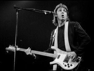 """Il baronetto più rock del Regno Unito, che il 18 giugno compie 71 anni, si esibisce live all'Arena nell'unico concerto italiano del suo """"Out There!"""
