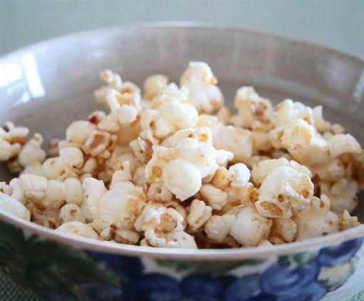 Healthy Caramel Popcorn.
