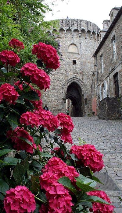 Le Port de Dinan, Brittany, France