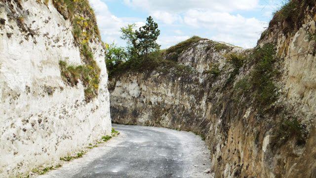 Route des Crêtes, La Roche-Guyon #Voyages #France elisaorigami.blogspot.com
