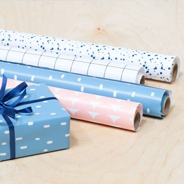 Wrapping paper with elegant patterns. Price DKK 7,48 / SEK 9,98 / NOK 9,96 / EUR 0,98 / ISK 229 #wrappingpaper #presents #gifts #birthday #anniversary #inspiration #sostrenegrene #søstrenegrene #grenediy