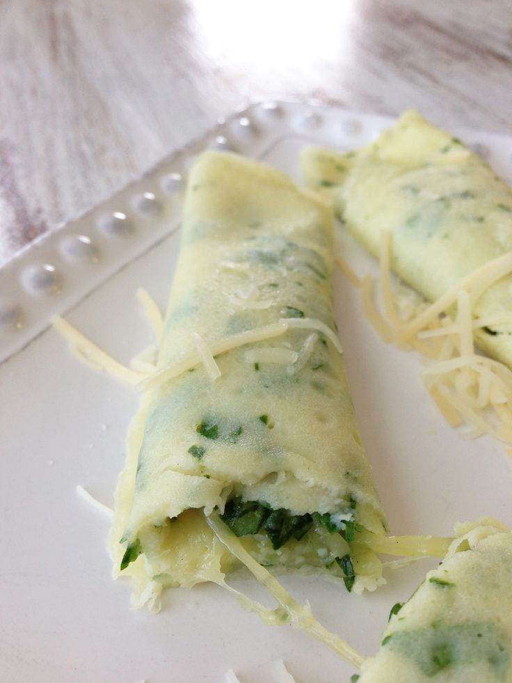 Skinny Spinach & Cheese Crepes