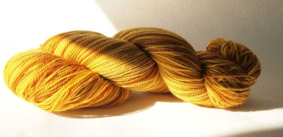 Saima. Naturally dyed. Plant dyed. Fingering by IvelleTheHappyCow, €17.50