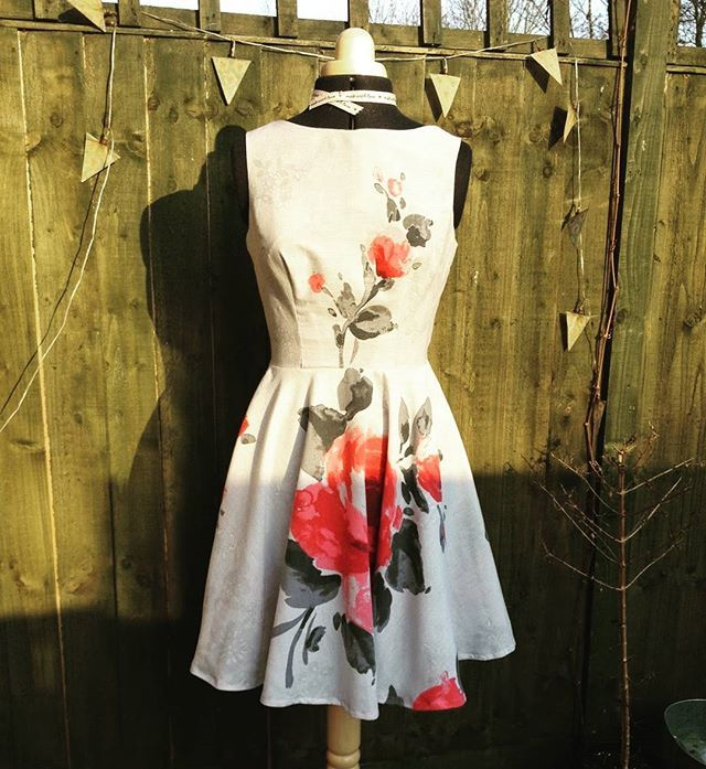 #simplesew #ruby #sewing #blog  Made from a bedsheet last year... Would recommend this pattern, it's a lovely fit! :) http://www.sequinsandslippers.com/2015/03/fitted-sheet-to-fifties-chic-sheet.html