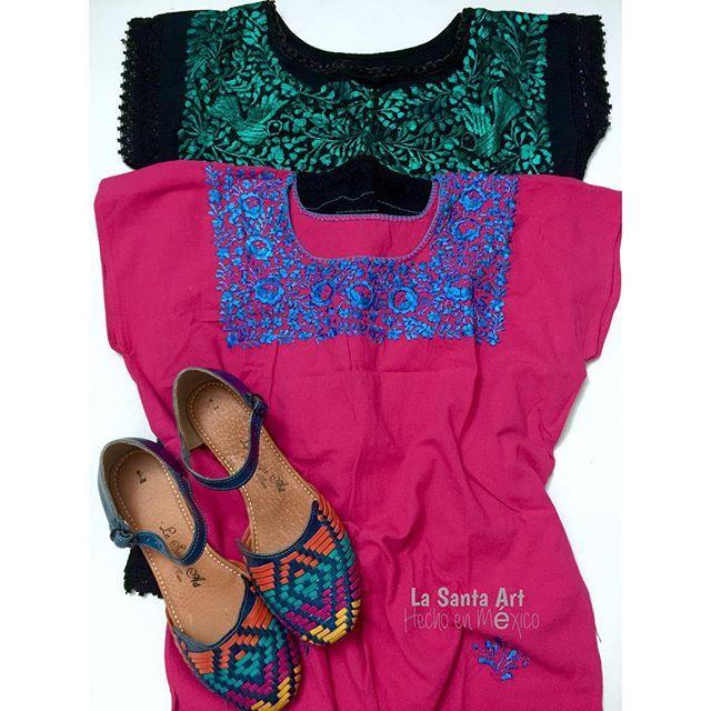 #mulpix  #Outfit con  #blusasartesanales bordadas a mano por artesanas  #Oaxaqueñas y  #sandalias primavera Azul/Colores |•   #LaSantaArt  #HechoenMéxico  #Artesanal  #bordado  #handmade  #mexicanstyle  #CalzadoArtesanal  #Mexican  #hechoamano  #sandals  #kichink  #embroidery  #Vallarta  #madeinMexico se fueron a  #Guanajuato y  #Monterrey ✈️✨