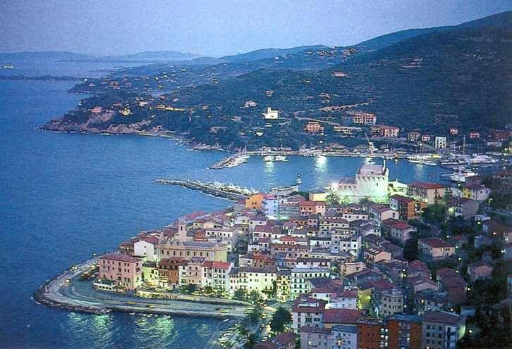 Porto Santo Stefano è una località turistica poco promozionata e per ...
