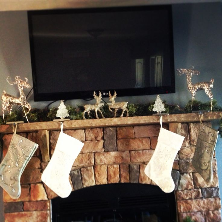 Christmas mantle #decorations #glitter #tv
