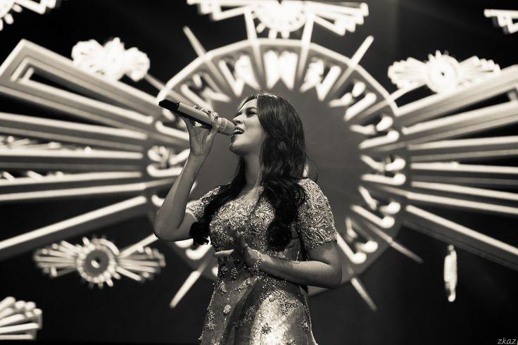 https://flic.kr/p/vsGPCc   Raisa Andriana   Magnum Raisa Konser, Jakarta '14 #zkaz