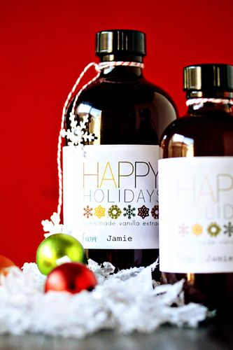 A homemade gift idea for bottling vanilla extract complete with a free template download.