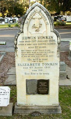 Edwin Tonkin &  Elizabeth Tonkin   Headstone