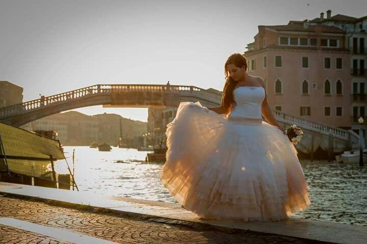 Wedding venice morning alone