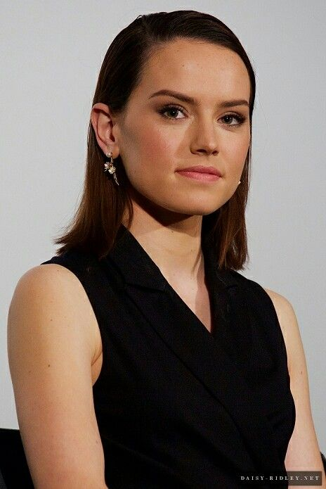 17 Best Images About Daisy Ridley Star Chic On