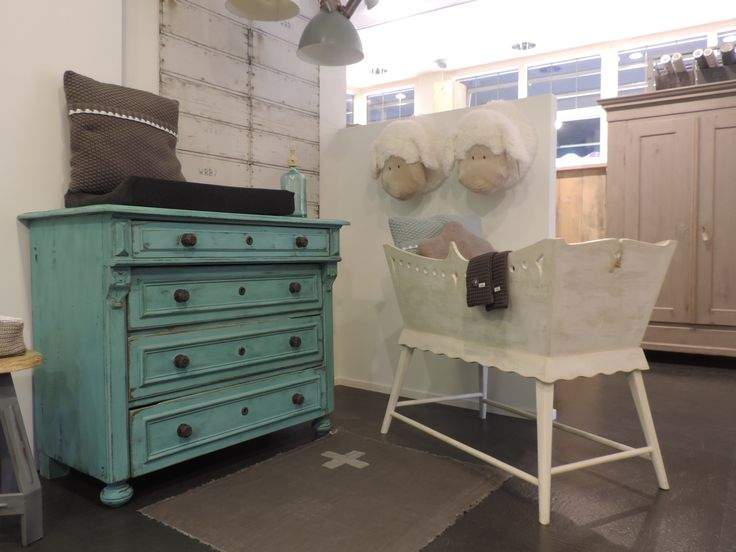 Groene Kinderkamer Ideeen : Originele babykamer met aqua groene ...