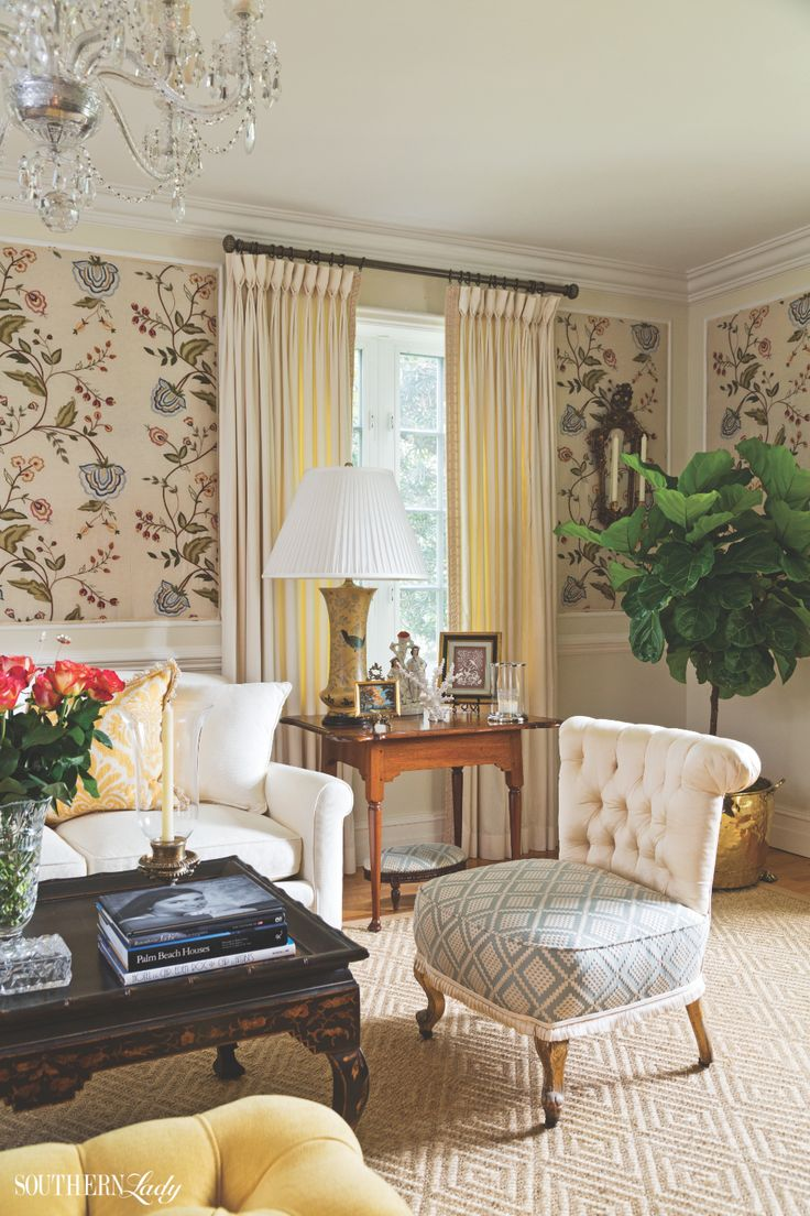 Tracy Dunn may live in South Florida, but she is known for designing  interiors that could be placed in the Northeast as easily as in the  Southeast.