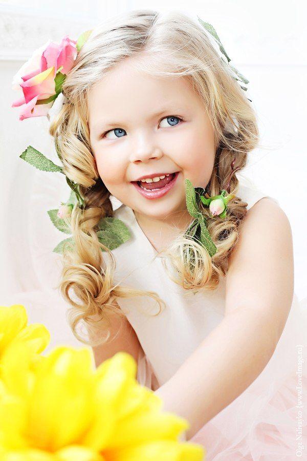 Russian child model Stefania Khrolenkova.
