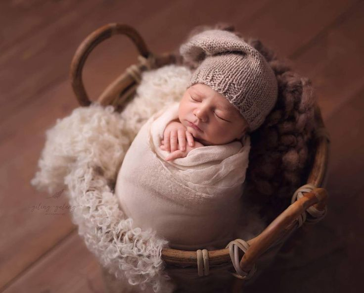 @gilinggalangphotography #rts #photoprops #handmade #handcraft #newbornphotpgraphy #newborn #photography #newbornphotoprop #newbornphotoprops #newbornprops #etsyshop #etsy #propshop #prop #woolanddreams #wool #mik #rts #woolblanket #Blankets #blanket #white #ivory