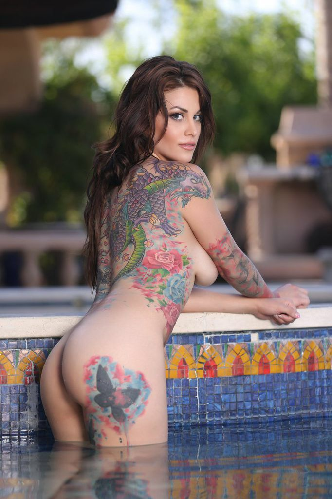 naked tattoo girls