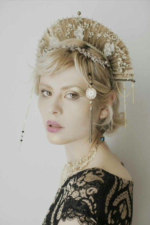 #headdress #headpiece #styling by Cristina Biella (www.facebook.com/elanorsoulcreativity) photo by Riccardo La Valle  #gold #queen #black #east #baroque #flowers