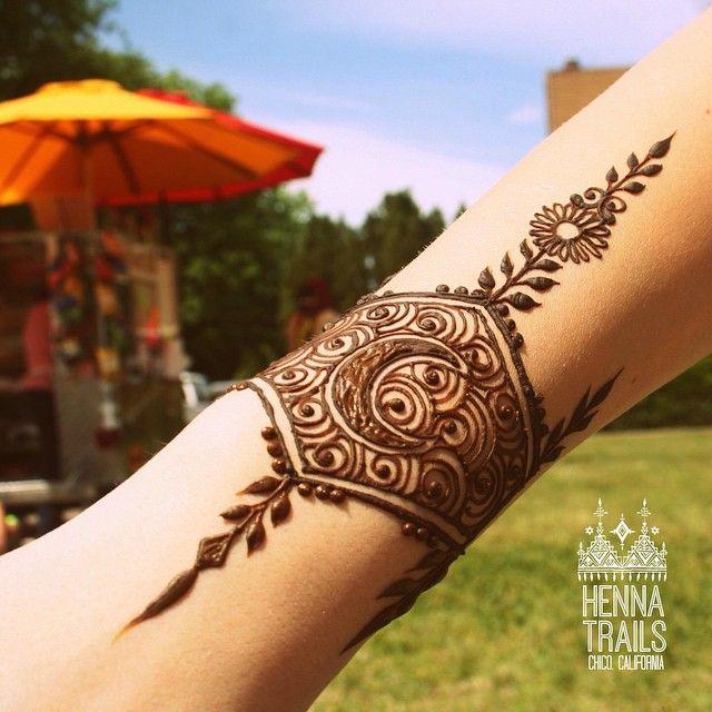 Mehndi Crescent Moon : Crescent moon collaboration design mehndi henna