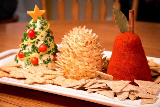 10 christmas cheese balls pinteres - Christmas tree shaped appetizers ...