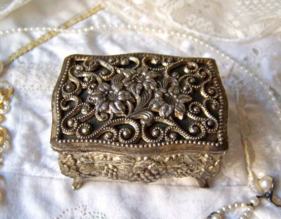 Vintage Jewelry Box by cynthiasattic on Etsy, $29.00