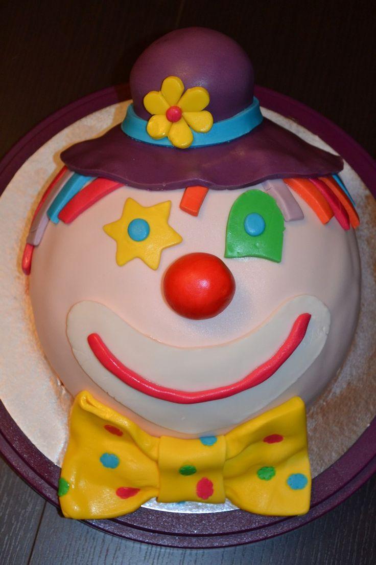 gâteau d'anniversaire 3D clown en pâte à sucre