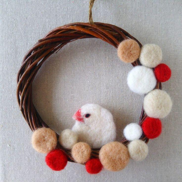 羊毛フェルトの文鳥のクリスマスリース – machilu