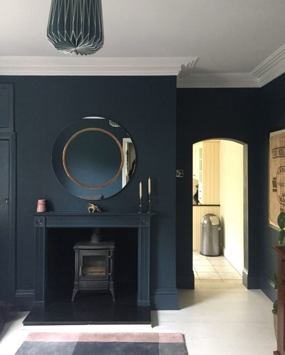 10 Beautiful Rooms: navy blue sitting room by mother hub