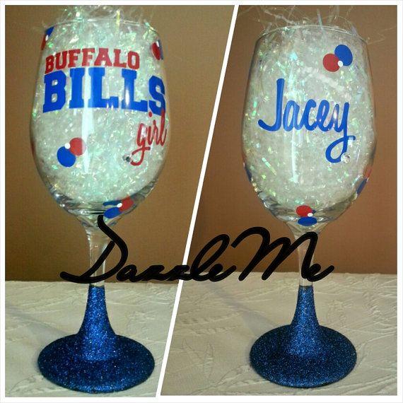 Perfect Gift for that Football Fan! Personalized Oversized Buffalo Bills Wine Glass