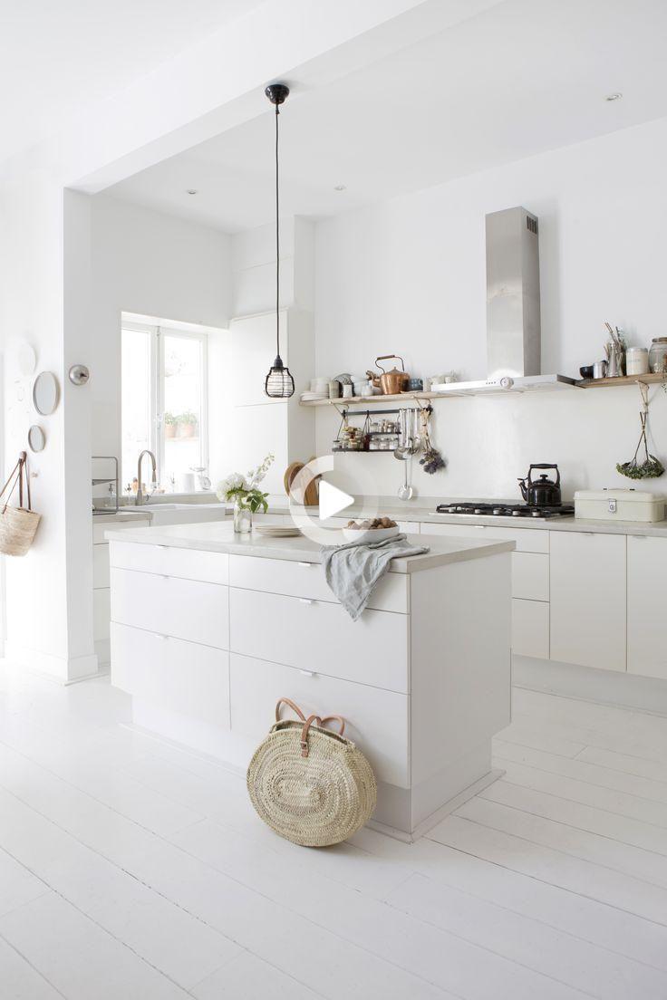 Jass Manak Photo Hd Wallpaper Pics Free Download In 2021 Kitchen Design Kitchen Layout White Kitchen