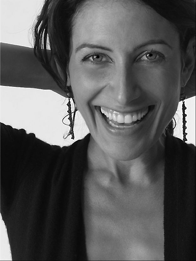 Lisa Edelstein is so gorgeous and so cool