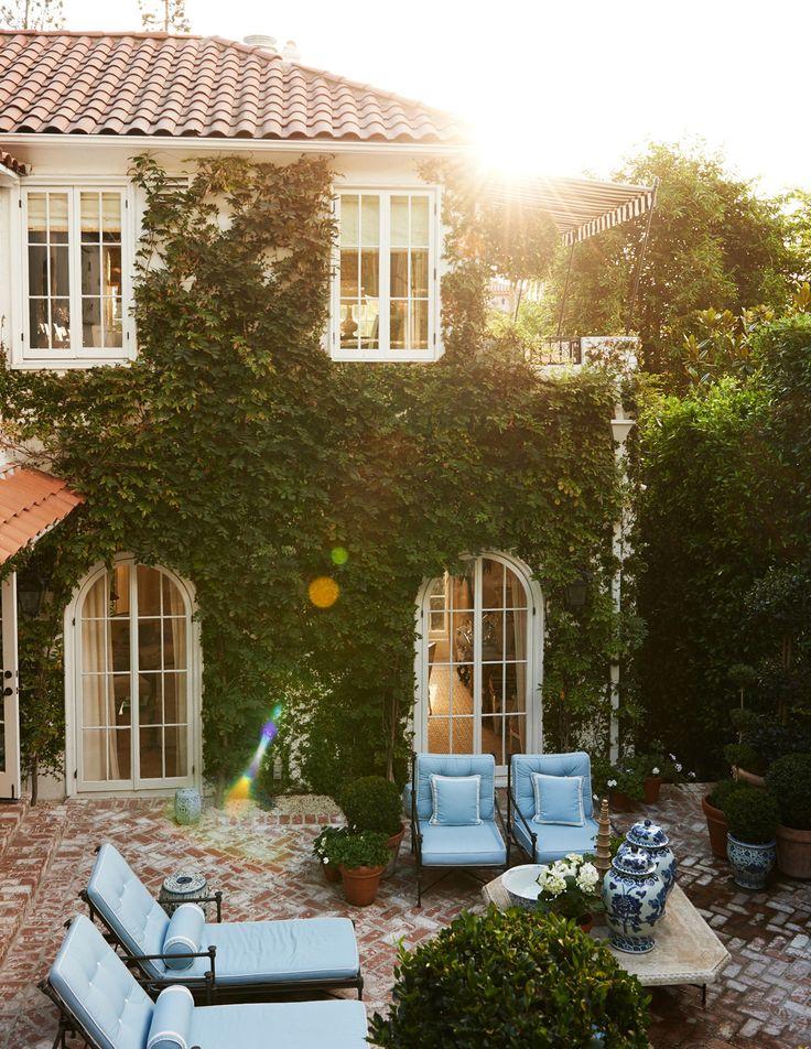 Hollywood Hills Garden – Mark D. Sikes