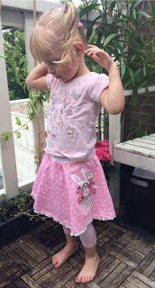 ook op zelfgemaakte rokje kan je heel goed een grote applicatie plaatsen, cute homemade skirt